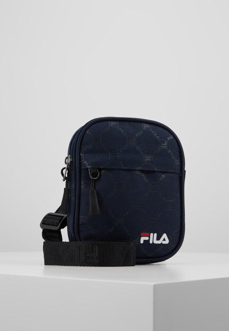 Fila - NEW PUSHER BAG BERLIN - Bandolera - black iris