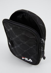Fila - NEW PUSHER BAG BERLIN - Bandolera - black - 5