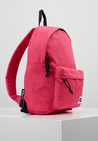 Fila - MINI BACKPACK MALMÖ - Rugzak - pink yarrow - 3