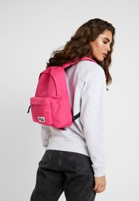 Fila - MINI BACKPACK MALMÖ - Rugzak - pink yarrow - 1