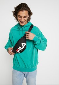 Fila - WAIST BAG SLIM - Heuptas - black - 0