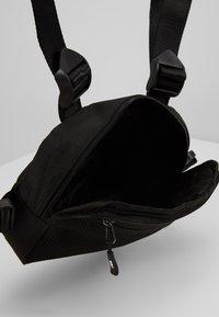 Fila - CHEST BAG - Mochila - black - 3
