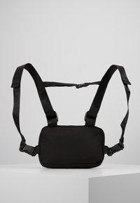 Fila - CHEST BAG - Mochila - black - 0