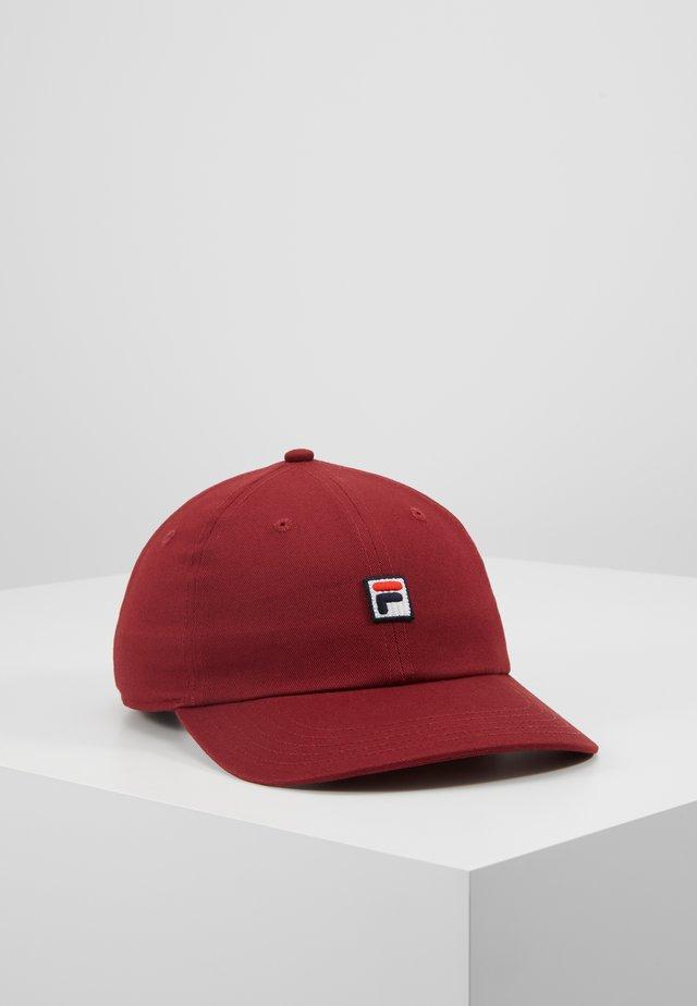 DAD - Caps - cabernet