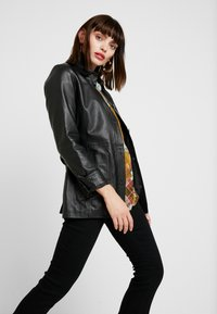 Freaky Nation - LONGLINE JACKET - Leather jacket - black - 3
