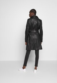 Freaky Nation - LEDER TRENCH COAT - Lederjacke - shadow - 2