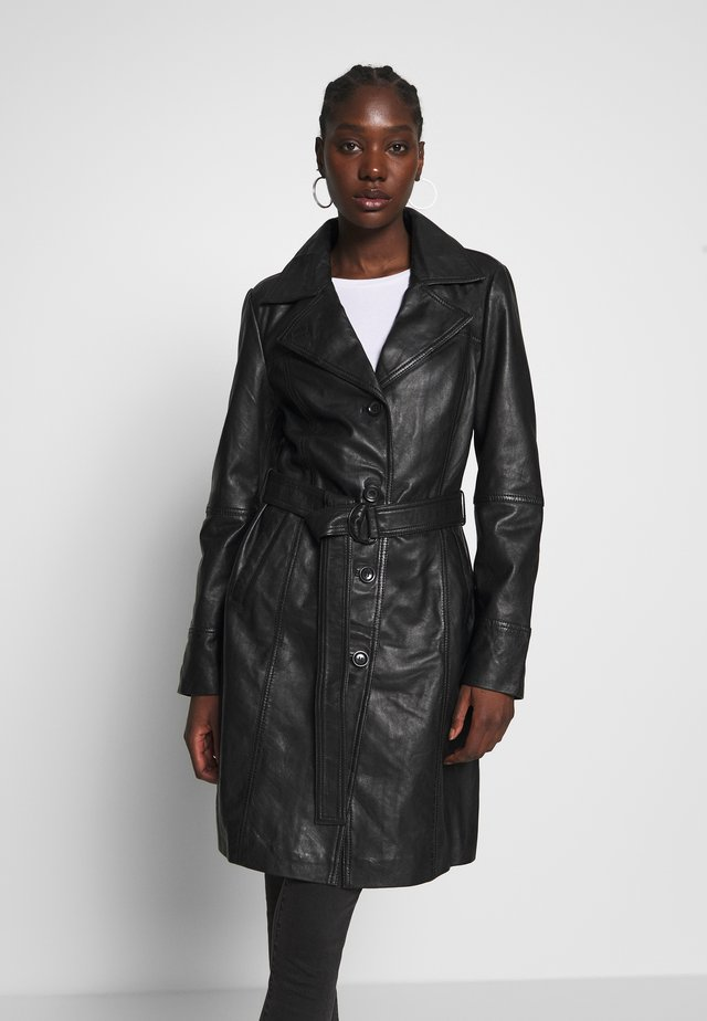 LEDER TRENCH COAT - Lederjacke - shadow
