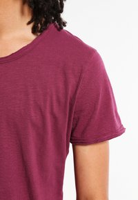 Key Largo - T BREAD NEW - Basic T-shirt - dark red - 3