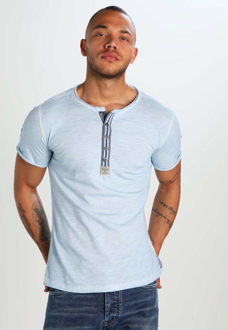Key Largo - ARENA - T-shirt z nadrukiem - skyblue