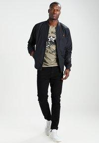 Key Largo - HELL RIDERS - T-shirt imprimé - khaki - 1