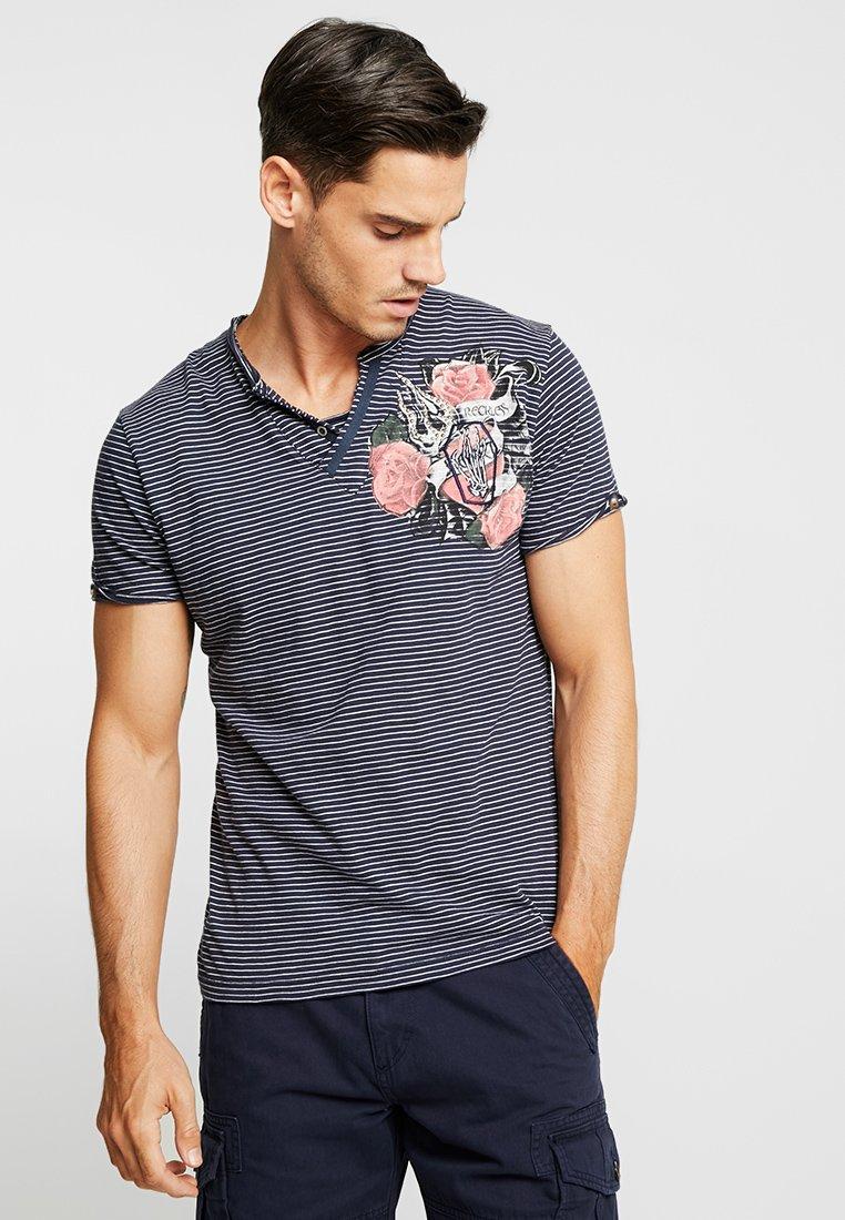 Key Largo - RECKLESS - T-Shirt print - navy/offwhite