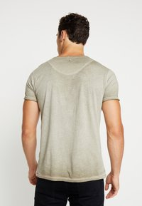 Key Largo - MT BEARDED BIKER - T-shirt imprimé - military green - 2