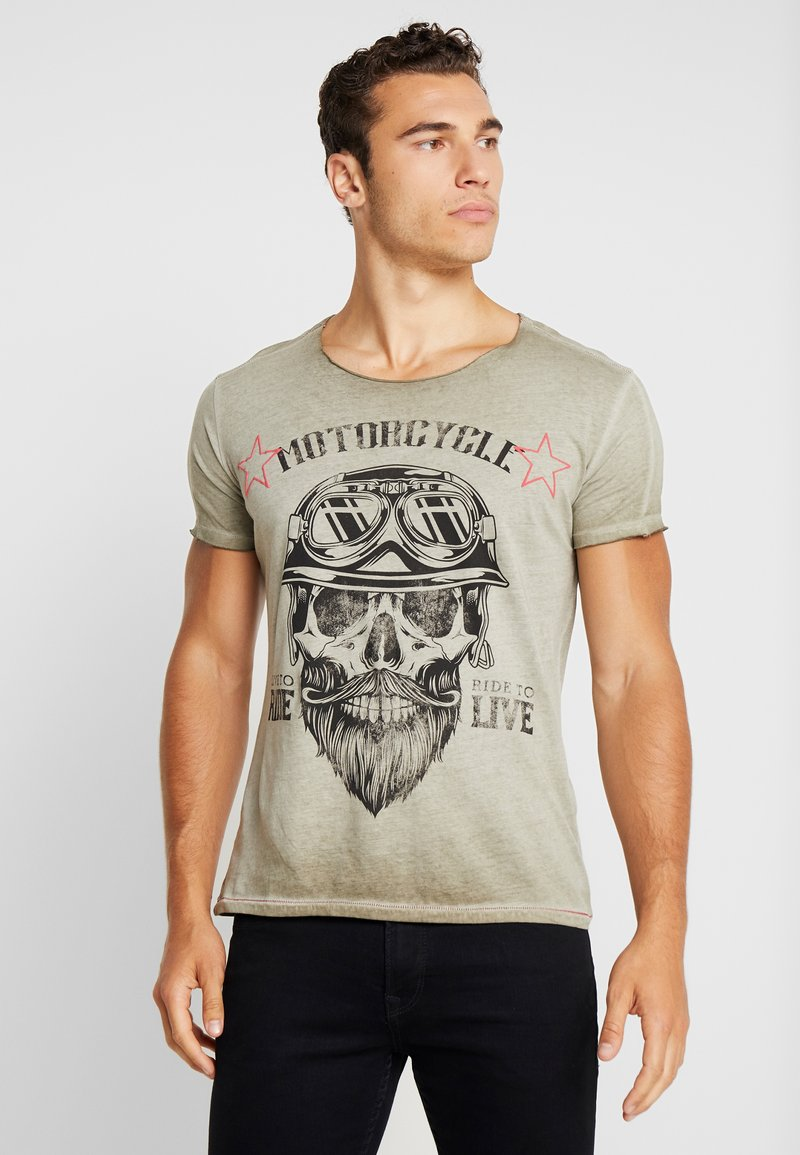 Key Largo - MT BEARDED BIKER - T-shirt con stampa - military green