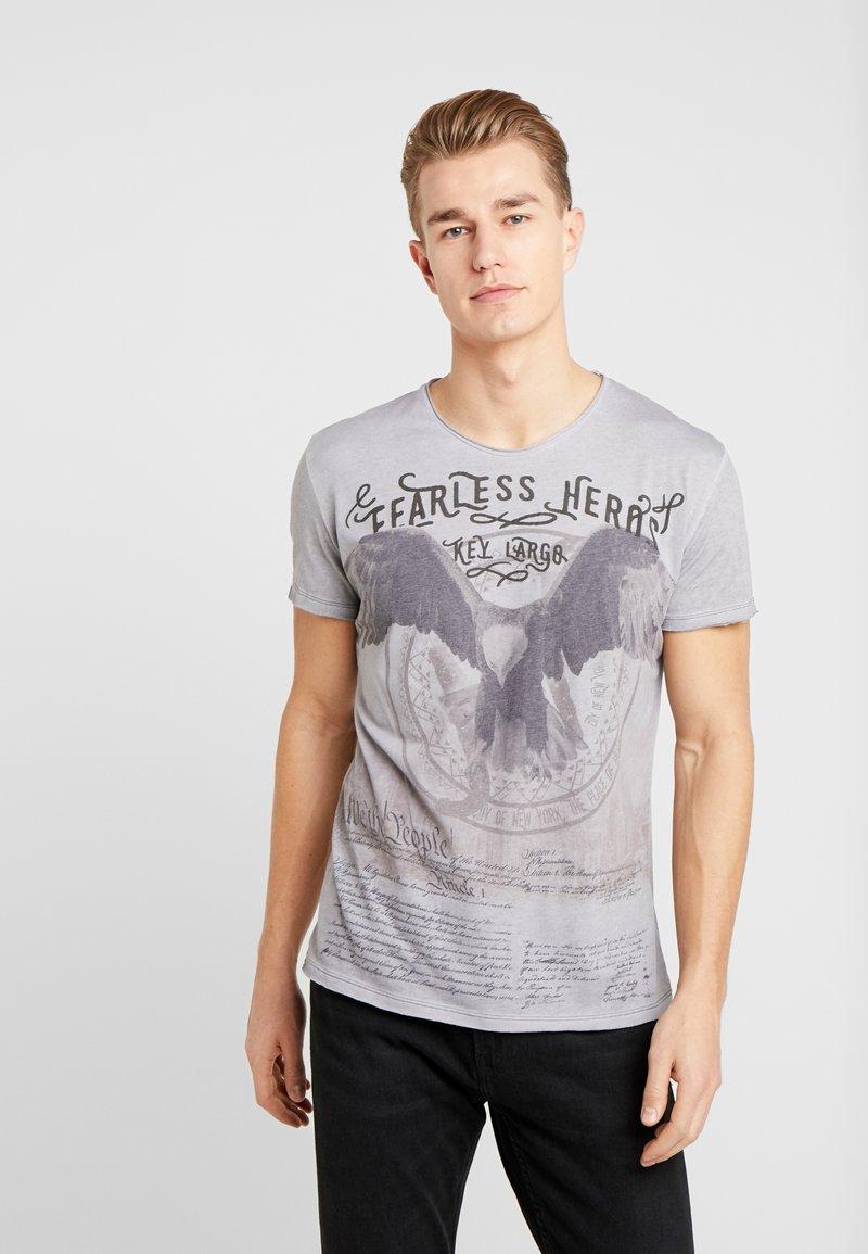 Key Largo - FEARLESS ROUND - T-shirt imprimé - silver