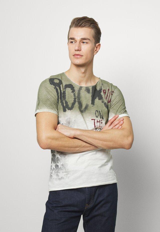 ROCKY ROUND - T-shirt con stampa - khaki
