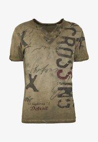 Key Largo - KNIGHT BUTTON - Print T-shirt - khaki - 4