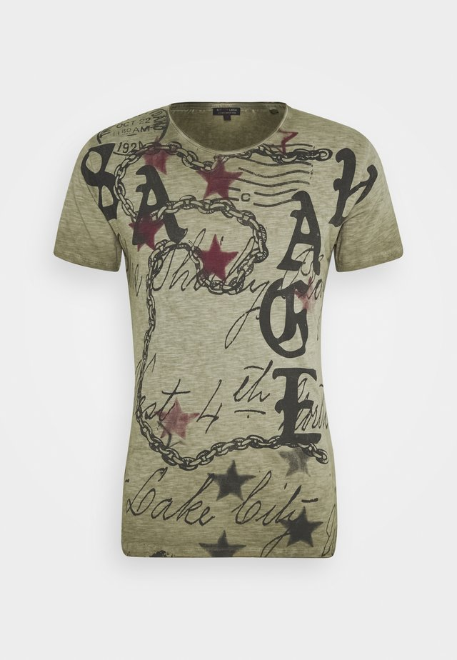 SAVAGE ROUND - T-shirt con stampa - green