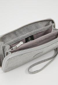 Kipling - IMALI - Portefeuille - chalk grey - 5