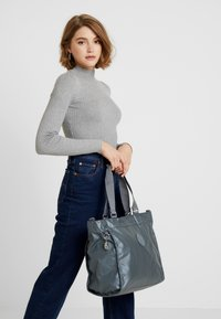 Kipling - NEW SHOPPER - Shopping bag - steel geyr metal - 5