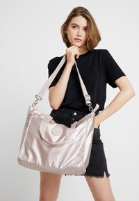 Kipling - NEW SHOPPER - Tote bag - metallic rose - 5