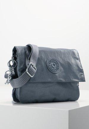 OSYKA - Across body bag - steel grey