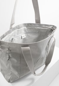 Kipling - ASSENI - Bolso shopping - grey beige - 4