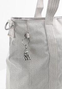 Kipling - ASSENI - Bolso shopping - grey beige - 5