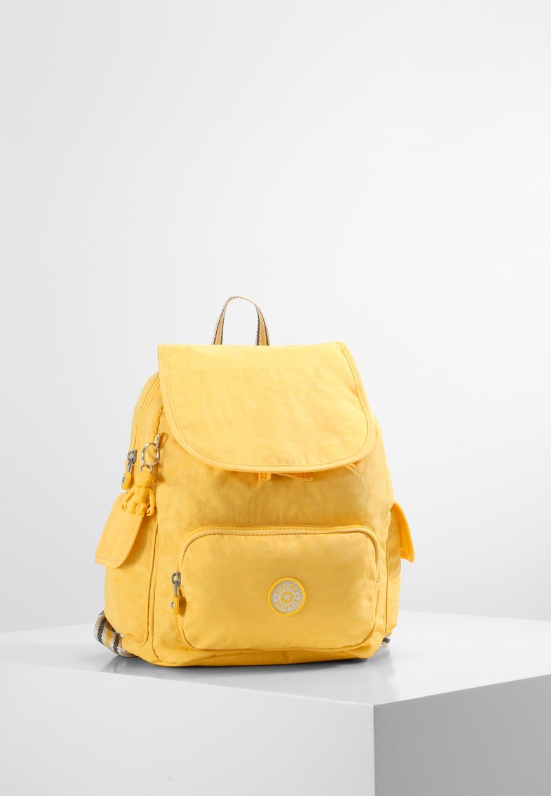 Kipling - CITY PACK S - Rygsække - vivid yellow