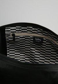 Kipling - ART - Shoppingveske - raw black - 4