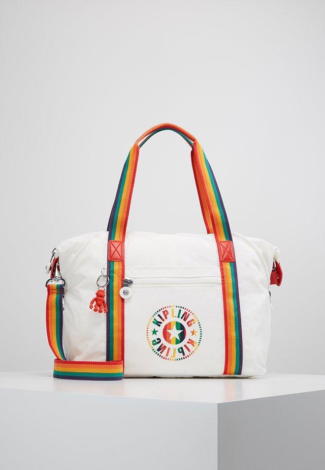 ART - Sportovní taška - rainbow white