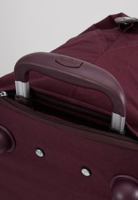 Kipling - ART ON WHEELS  - Holdall - dark plum - 7