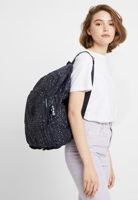 Kipling - EARNEST - Reppu - dark blue - 6
