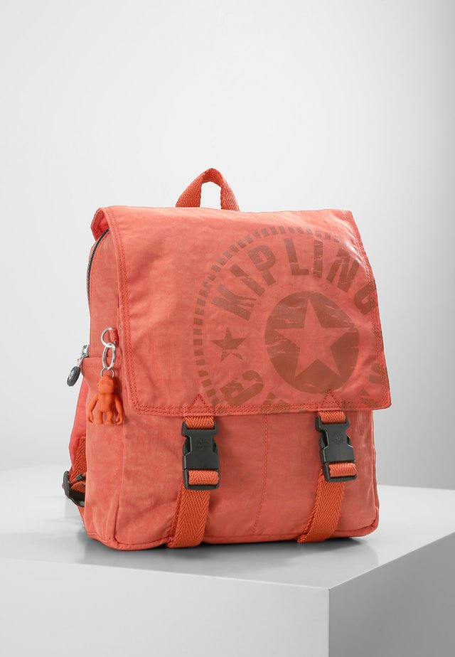 LEONIE S - Mochila - hearty orange