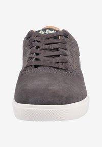 Lee Cooper - Sneakers - grey - 5