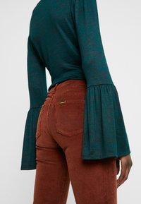 LOIS Jeans - RAWAL - Broek - brandy - 3