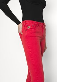LOIS Jeans - RAVAL - Flared-farkut - cayenne - 3