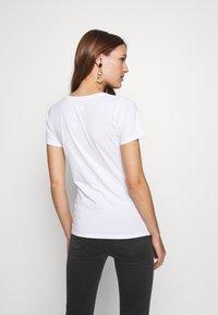 LOIS Jeans - PERFECT TEE - T-shirt print - white - 2