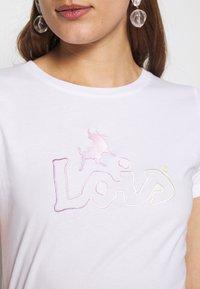 LOIS Jeans - PERFECT TEE - T-shirt print - white - 4