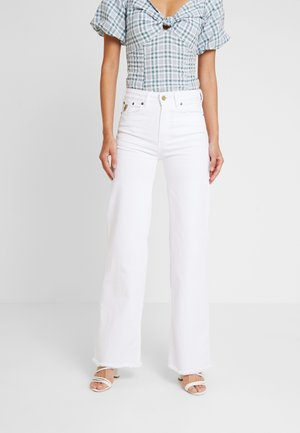PALAZZO - Flared Jeans - white