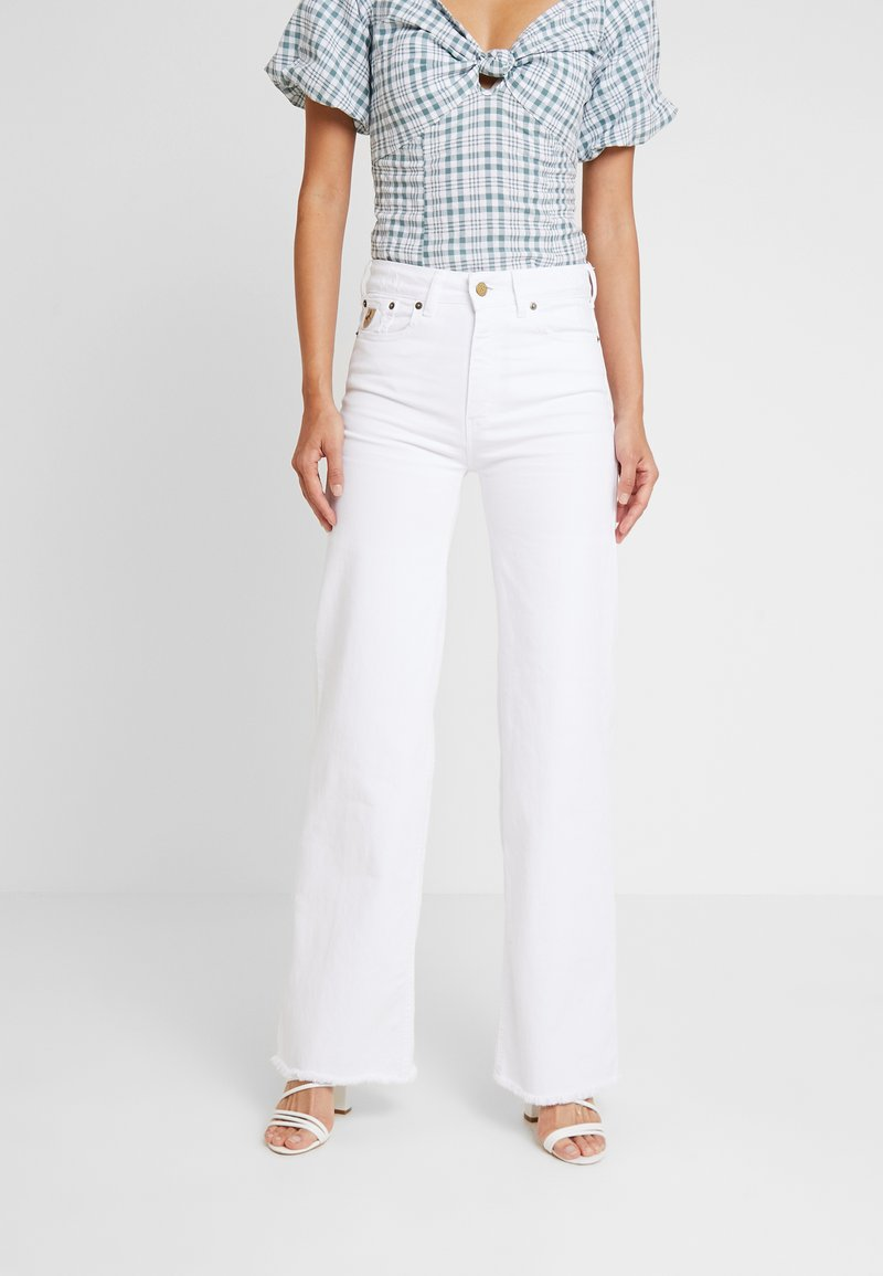 LOIS Jeans - PALAZZO - Flared Jeans - white