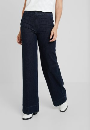 REMEMBER - Flared Jeans - rinse