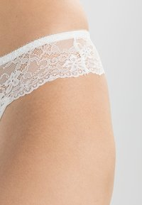 LingaDore - DAILY - String - ivory - 3