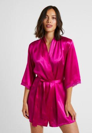 Bademantel - rosa