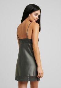 LingaDore - DULL DRESS - Chemise de nuit / Nuisette - dusty olive - 2