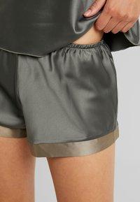 LingaDore - SHORT SET - Pyjama - dusty olive as jungle - 5