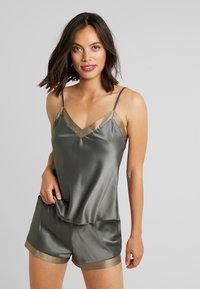 LingaDore - SHORT SET - Pyjama - dusty olive as jungle - 0