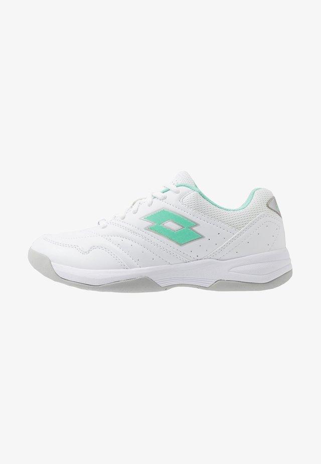 COURT LOGO XVIII - Multicourt tennis shoes - all white/green cabbage