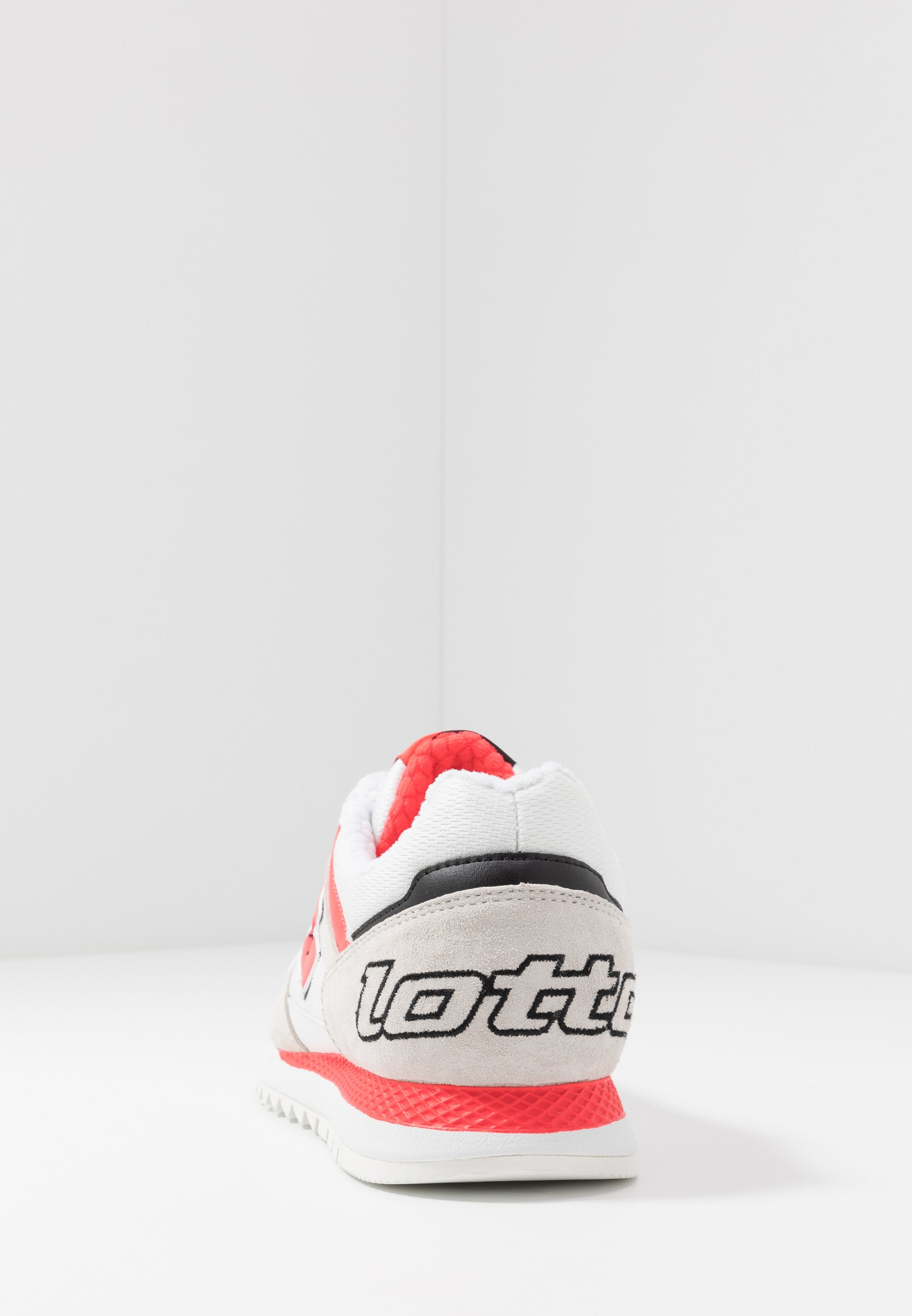 Lotto RUNNER PLUS '95 - Obuwie do biegania treningowe - all white/red fluo