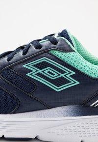 Lotto - SPEEDRIDE 600 VII - Obuwie do biegania treningowe - navy blue/beach green - 5