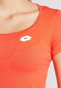 Lotto - TENNIS TECH TEE  - T-shirt basique - fiery coral - 4